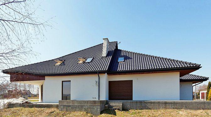 widok z tyłu na ekskluzywna rezydencję do sprzedaży w Tarnowie