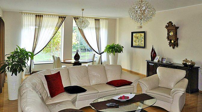 luksusowy salon w ekskluzywnej rezydencji do sprzedaży w Radomiu