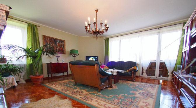 stylowy salon w luksusowej rezydencji w Tarnowie na sprzedaż