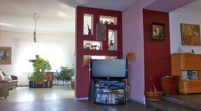 nowoczesny salon w luksusowej rezydencji do sprzedaży w okolicach Częstochowy