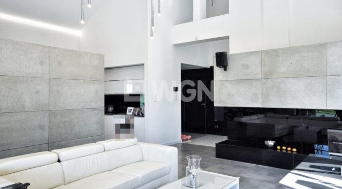 nowoczesny salon w luksusowej rezydencji na sprzedaż w okolicach Bielska-Białej