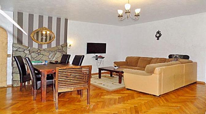 stylowy salon w ekskluzywnej rezydencji do sprzedaż w okolicach Legnicy
