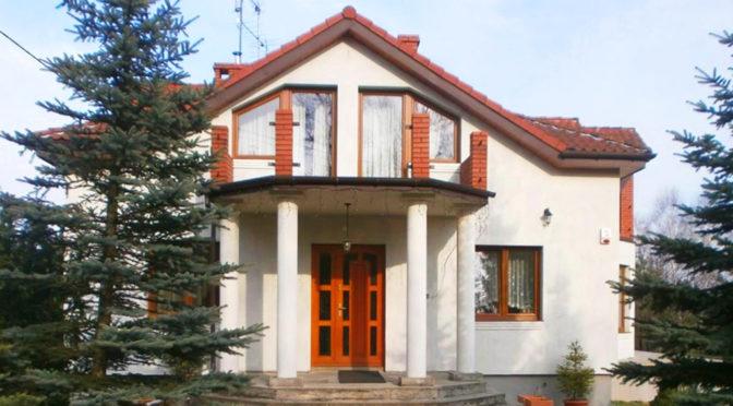 front ekskluzywnej rezydencji do sprzedaży w Częstochowie
