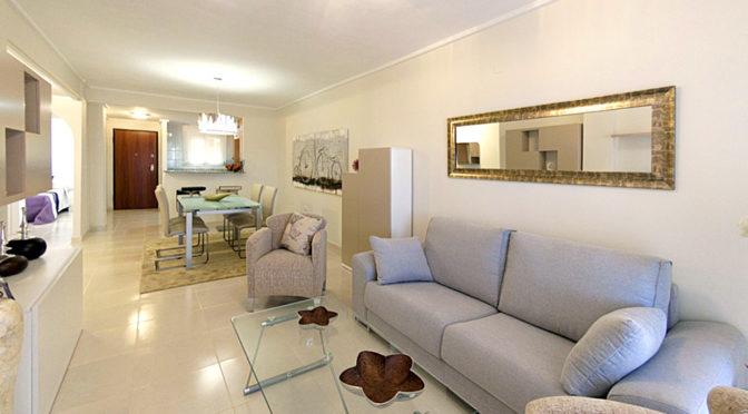 salon w stylu klasycznym w luksusowym apartamencie do sprzedaży w Hiszpanii