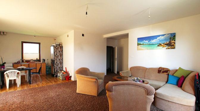 przestronny salon w luksusowej rezydencji w okolicach Szczecina na sprzedaż