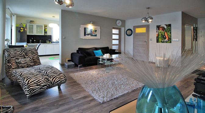 nowoczesny salon w luksusowym apartamencie w Krakowie na sprzedaż