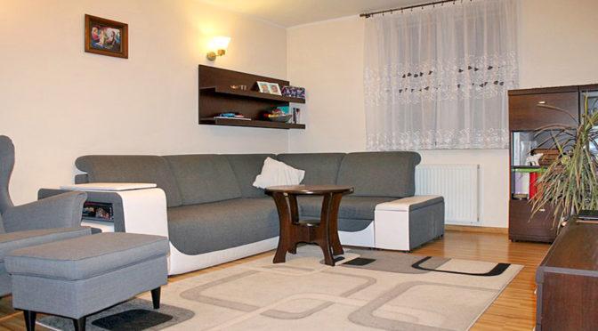 komfortowy salon w luksusowym apartamencie do sprzedaży w Tczewie