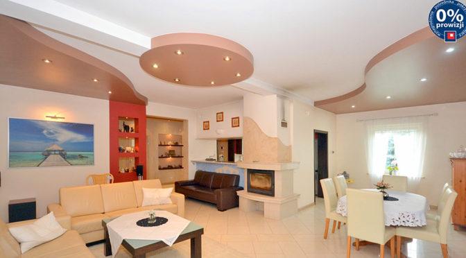 nowoczesny salon w ekskluzywnej rezydencji do sprzedaży w Radomiu