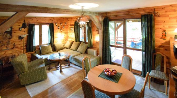 komfortowe wnętrze rezydencji nad jeziorem do sprzedaży