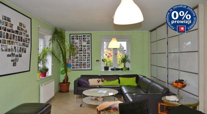 komfortowy salon w ekskluzywnej rezydencji do sprzedaży w okolicach Żagania