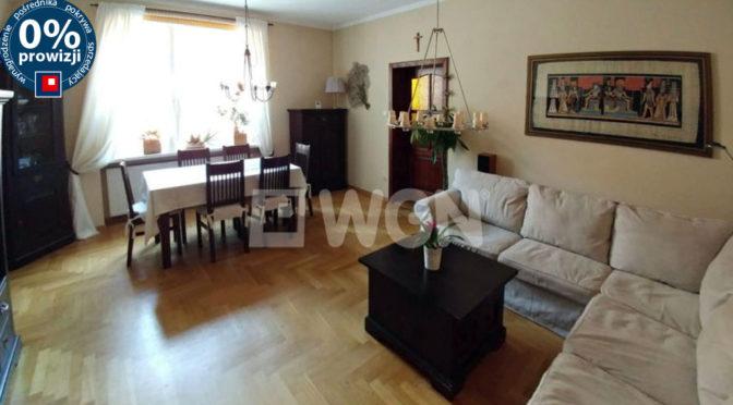 komfortowy salon w luksusowej rezydencji do sprzedaży w okolicach Poznania
