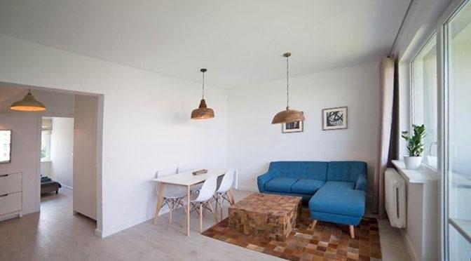 przestronny salon w ekskluzywnym apartamencie do sprzedaży w Szczecinie