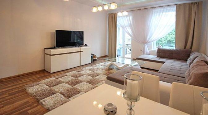 komfortowy salon w luksusowym apartamencie w Szczecinie na sprzedaż