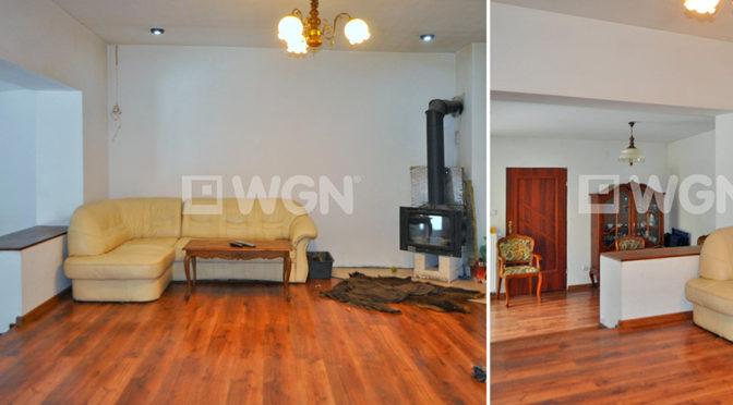 po lewej salon, po prawej przedpokój w ekskluzywnej rezydencji do sprzedaży w Częstochowie