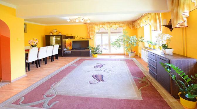 przestronne wnętrze ekskluzywnej rezydencji do sprzedaży w Suwałkach
