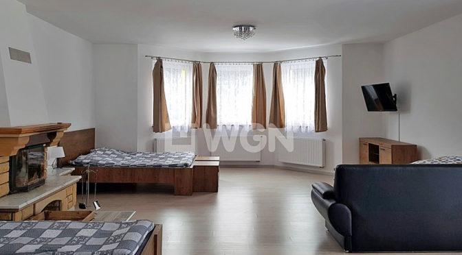przestronne wnętrze ekskluzywnej rezydencji do sprzedaży w Wiśle