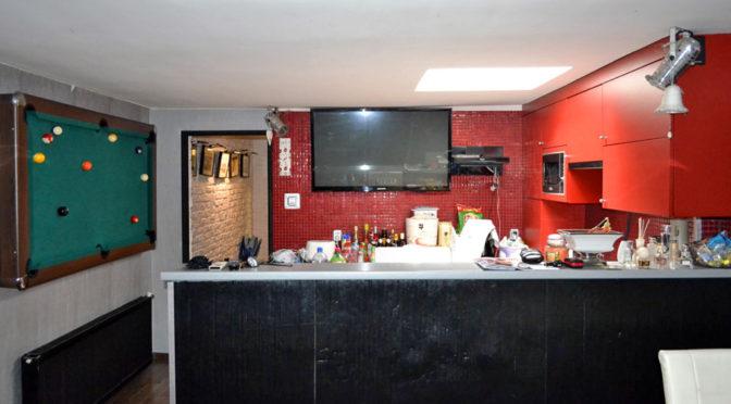 komfortowe wnętrze jednego z pomieszczeń w luksusowym apartamencie w okolicy Leszna na sprzedaż