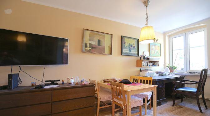 ekskluzywny i wytworny salon w luksusowym apartamencie w Świnoujściu na sprzedaż