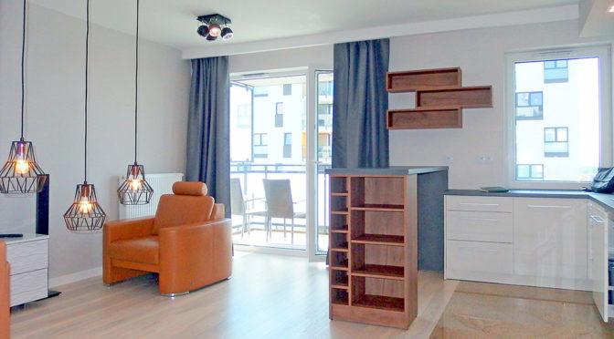luksusowy salon w ekskluzywnym apartamencie do wynajmu we Wrocławiu