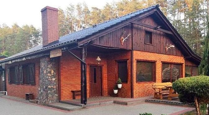 front luksusowej rezydencji do sprzedaży w okolicy Grudziądza