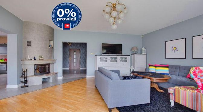 ekskluzywny salon z kominkiem w luksusowej rezydencji w Bielsku-Białej na sprzedaż