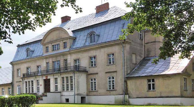 reprezentacyjne wejście do luksusowej rezydencji do sprzedaży w województwie opolskim