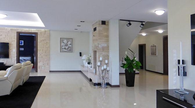 nowocześnie zaprojektowane wnętrze luksusowej rezydencji na sprzedaż Iława (okolice)
