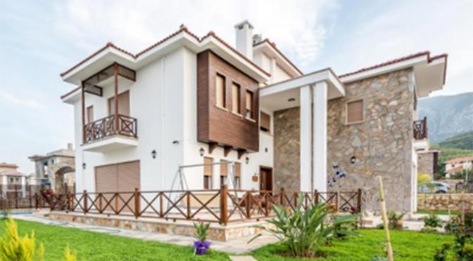 widok od strony ogrodu na luksusową rezydencję do sprzedaży Bellapais (Turcja)