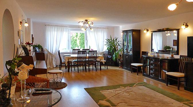 prestiżowe wnętrze salonu w ekskluzywnej rezydencji do wynajęcia Kwidzyn (okolice)