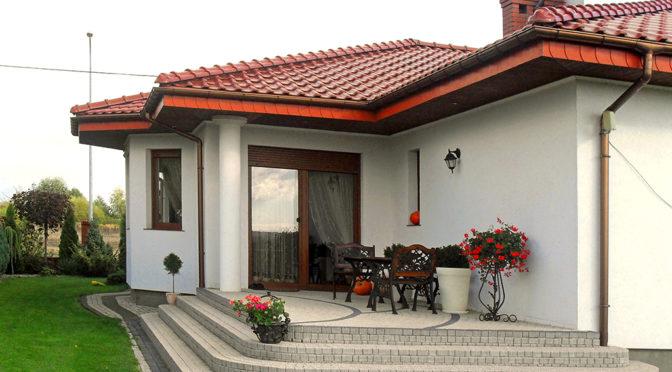 widok od strony tarasu na luksusową rezydencją na sprzedaż Konin