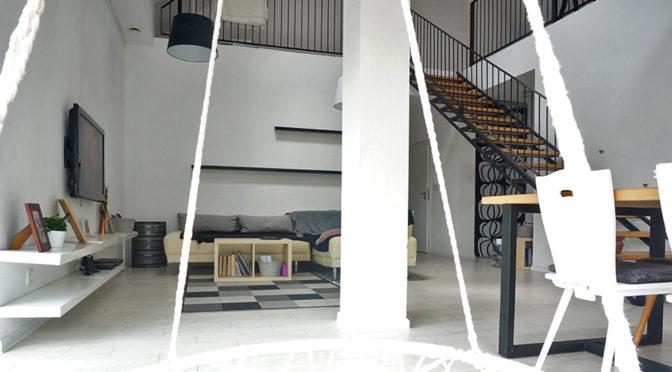 nowoczesne wnętrze salonu w ekskluzywnej rezydencji do sprzedaży Wałbrzych (okolice)