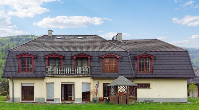 widok od strony działki na luksusową rezydencję do sprzedaży Bielsko-Biała (okolice)