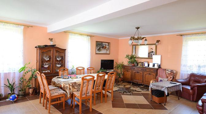 urządzony w klasycznym i eleganckim stylu salon w luksusowe rezydencji do sprzedaży rezydencje na sprzedaż, rezydencje sprzedaż, rezydencje Suwałki sprzedaż