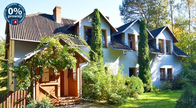 widok od strony ogrodu na ekskluzywną rezydencję na sprzedaż Kazimierz Dolny