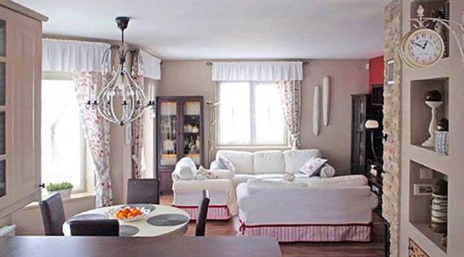 klasyczne i kameralne wnętrze salonu w luksusowej rezydencji na sprzedaż Kraków (okolice)