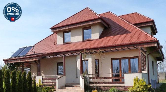 widok od strony ogrodu na ekskluzywną rezydencję do sprzedaży Ostrów Wielkopolski