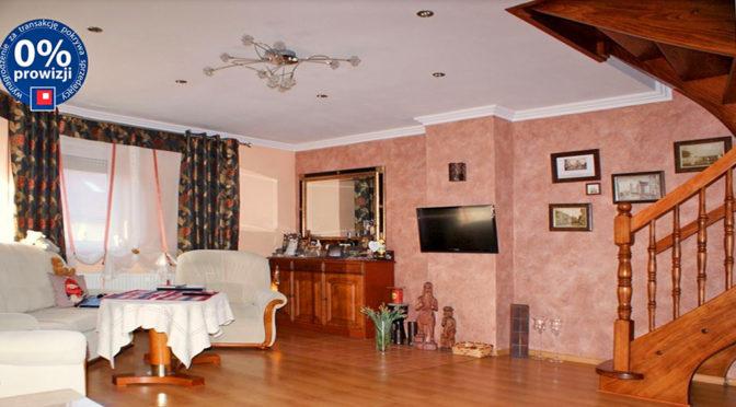 kameralny pokój dzienny w luksusowej rezydencji na sprzedaż Konin (okolice)