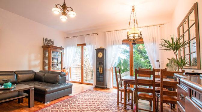 zaaranżowane w klasycznym stylu wnętrze luksusowej rezydencji na sprzedaż Poznań (okolice)