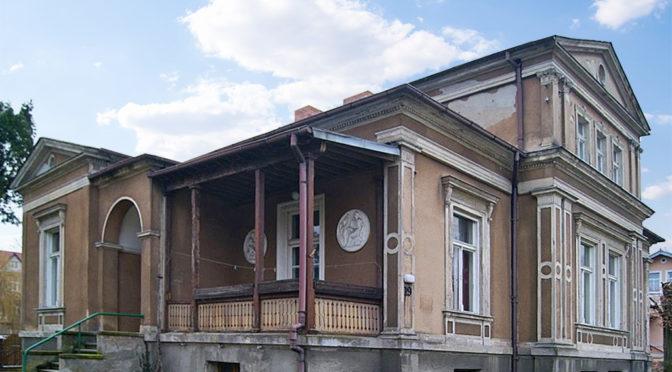 widok od strony tarasu na luksusową rezydencję na sprzedaż lubuskie