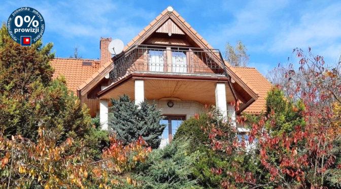 widok od strony ogrodu na ekskluzywną rezydencję na sprzedaż Wałbrzych