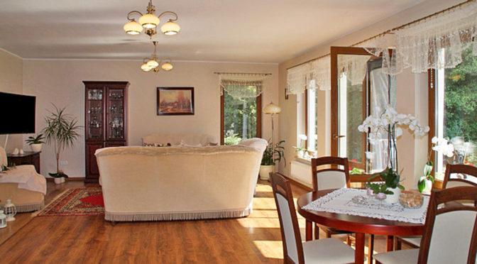 eleganckie wnętrze luksusowej rezydencji na sprzedaż Słupsk (okolice)