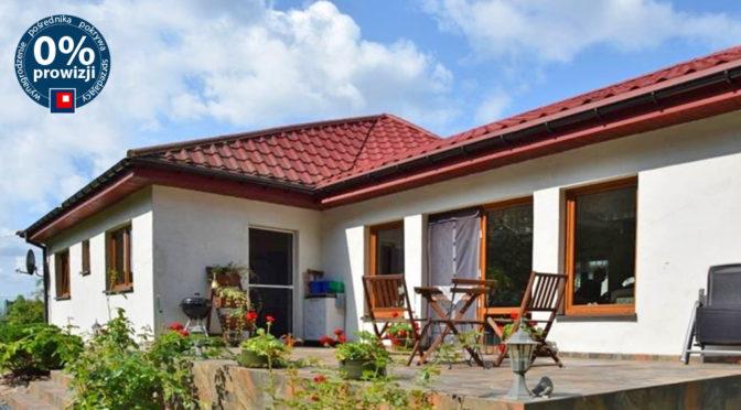 widok od strony tarasu na ekskluzywną rezydencję na sprzedaż Słupsk (okolice)