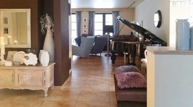 prestiżowe wnętrze z fortepianem ekskluzywnej w rezydencji na sprzedaż Łódź