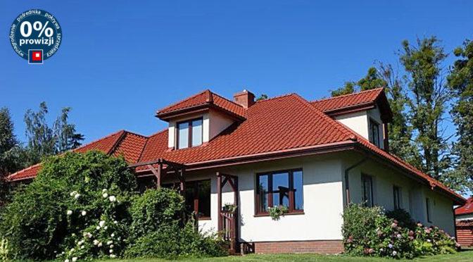 widok od strony ogrodu na luksusową rezydencję na sprzedaż Toruń (okolice)