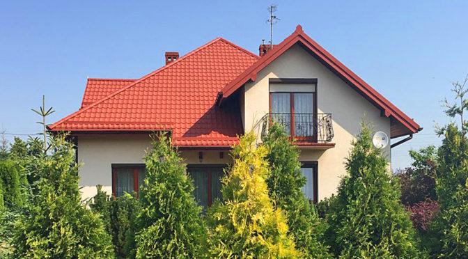widok od strony ogrodu na ekskluzywną rezydencję na sprzedaż Wieluń (okolice)