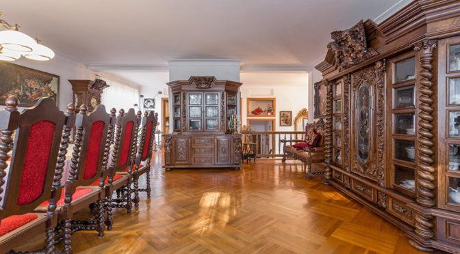 zaaranżowane w klasycznym stylu wnętrze ekskluzywnej rezydencji na sprzedaż Sopot