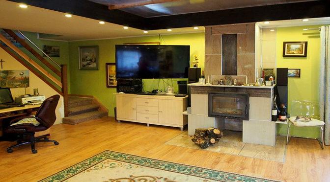prestiżowy salon z kominkiem w ekskluzywnej rezydencji do sprzedaży Łódź (okolice)