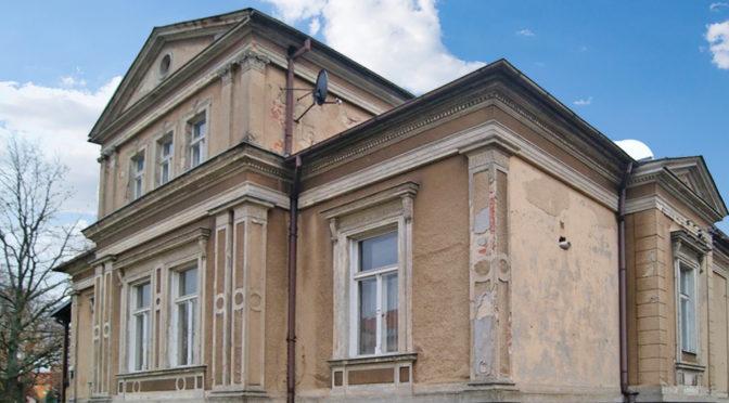 okazała bryła luksusowej rezydencji do sprzedaży Żagań (okolice)