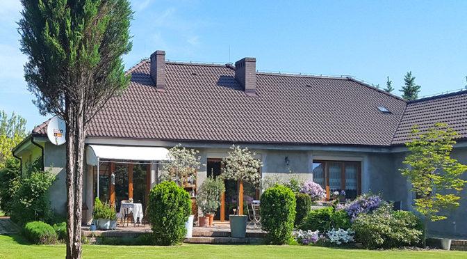 widok od strony ogrodu na ekskluzywną rezydencję na sprzedaż Gorzów Wielkopolski (okolice)