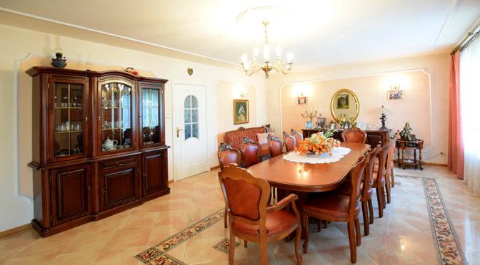 wytworna jadalnia i eleganckie wnętrze luksusowej rezydencji do wynajęcia Suwałki